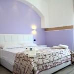 hotel gallipoli città bella salento room stanza in affitto lilla 1 (5)